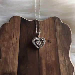 Jewelry - Cute white hearts necklace chain pendant sterling